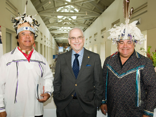 IMAGE Ray Halbritter (Wolf Clan),  President and CEO of the American Revolution Center Dr. Bruce Cole, and Dale Rood (Turtle Clan)