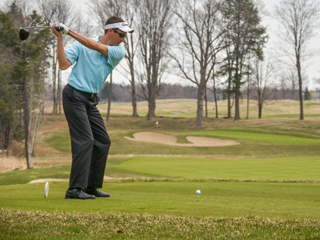 IMAGE Golfer takes a swing at Turning Stone